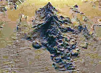 Catena di 15 vulcani sommersi