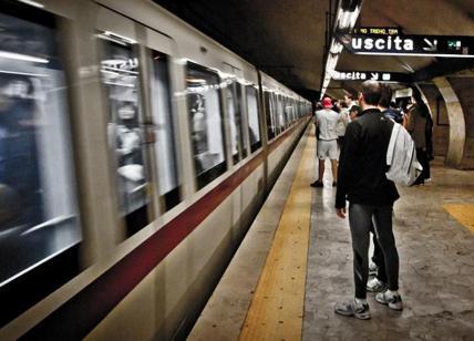 Roma, finalmente arriva la pioggia: allagamenti, chiuse tre stazioni metro