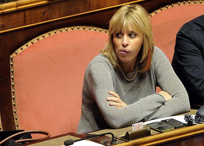 Alessandra Mussolini Sposa Pentita Si Al Matrimonio Ma Solo A 90 Anni Affaritaliani It