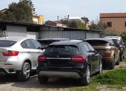 Ripulivano auto rubate: arrestate cinque persone