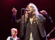 "Patti Smith, ""messa"" rock tra musica e poesia: concerto al Teatro dell'Opera"