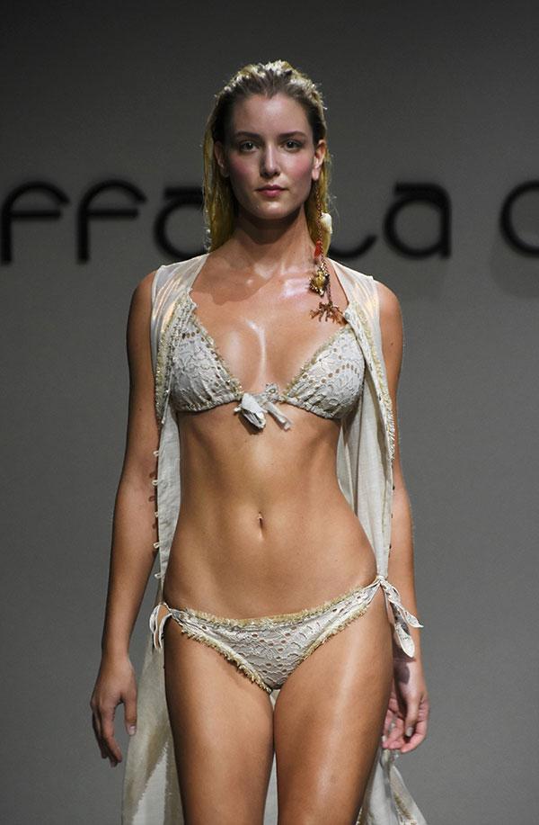 fantasztikus megtakarítás sima értékesít Federica Pellegrini in passerella: sexy bikini. Foto. E Magnini ...