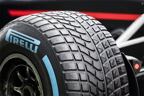 Pirelli, nei primi 9 mesi mesi ebit adjusted e ricavi in crescita