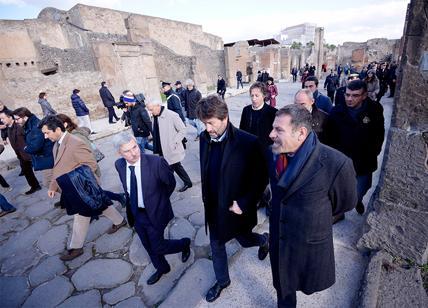 Sfregiati 'Bacco e Arianna' a Pompei