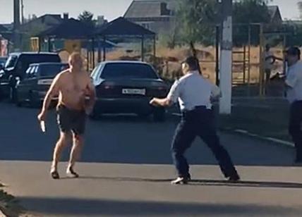 Russia, decapita la nipotina e corre in strada con la sua testa