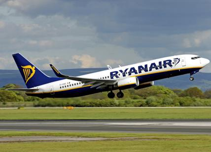 Ryanair minaccia i piloti: