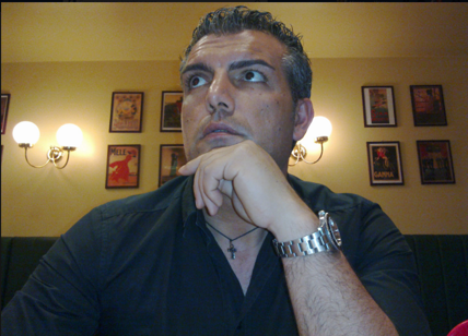 Coppia respinta da struttura vicino a Tropea: