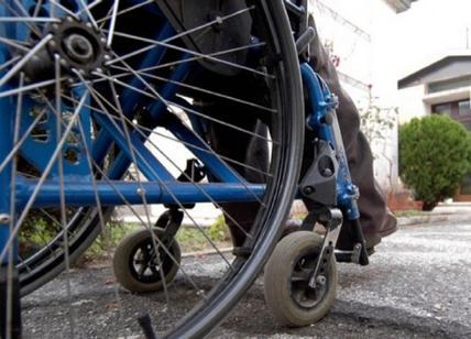 Sedie A Rotelle Roma : Roma disabile in sedia a rotelle fa da palo agli spacciatori