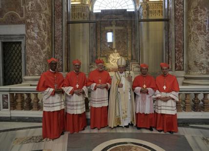 Vaticano, droga e festini gay: fermato un monsignore: papa Francesco è furioso
