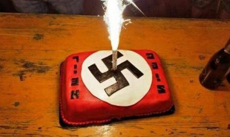 La svastica sulla torta