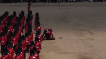 Trooping the Colour, soldato sviene oppresso da caldo e uniforme