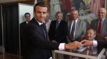 Voto in Francia: Macron domina la Camera ma è astensione record