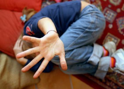 Violentata e poi rinchiusa in un manicomio per bimbi: la storia di una 17enne