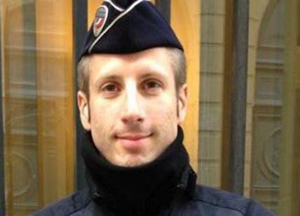 VIDEO Sparatoria agli Champs Elysees. Ucciso un agente e l'aggressore