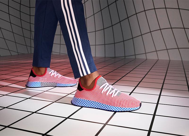 Adidas, solo plastica riciclata per scarpe e vestiti