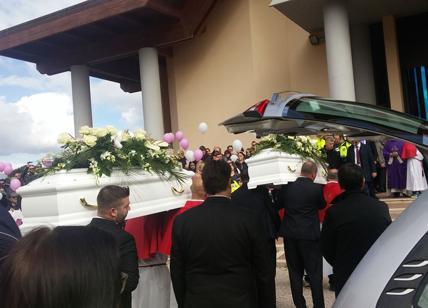 Strage di Latina: mamma Antonietta è stata informata della morte delle figlie