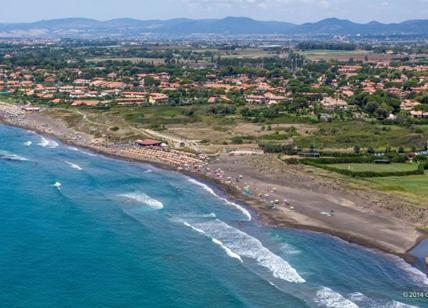 Cadavere di un uomo in spiaggia: ritrovamento choc a Palidoro