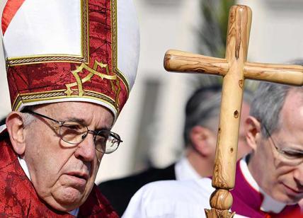 Papa Francesco contestato da venti ex Capi di Stato