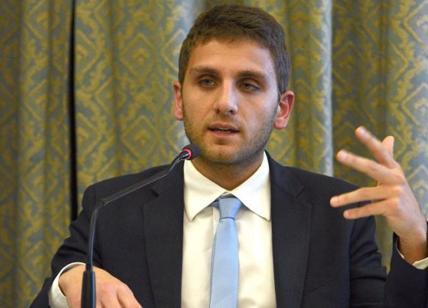 Di Maio a Genova chiede le dimissioni del figlio di De Luca