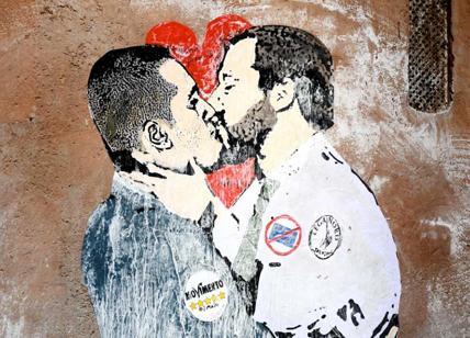 Risultati immagini per murales dimaio e salvini che si baciano