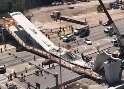 Miami. Crollato un ponte pedonale almeno 6 morti