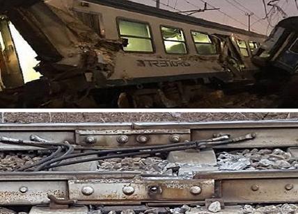 Treno deragliato, operai sorpresi nell'area dell'incidente portati in questura