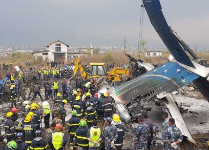 Nepal, cade aereo in volo fra Dacca e Kathmandu