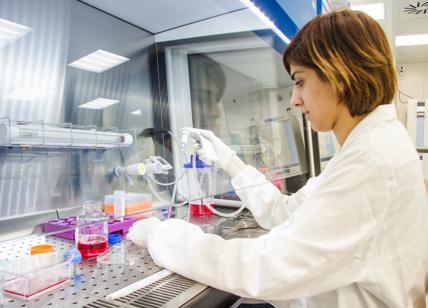 Pavia, protesta contro finanziamenti a no vax: stop a esami di Stato
