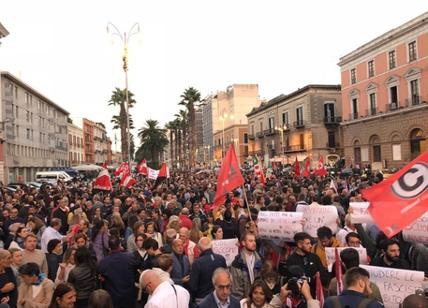 Corteo per dire No al fascismo Canfora: 'Bari si è svegliata'
