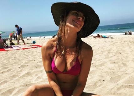 Elisabetta Canalis, bikini esplosivo: quante foto sexy su Instagram. FOTO