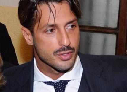 Fabrizio Corona torna al lavoro: può usare i social e rilasciare interviste