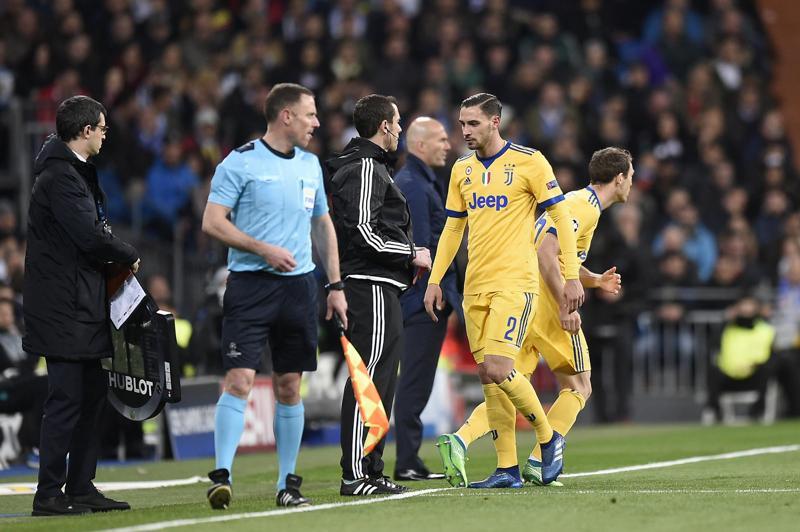 Juventus, tegola De Sciglio: stagione finita