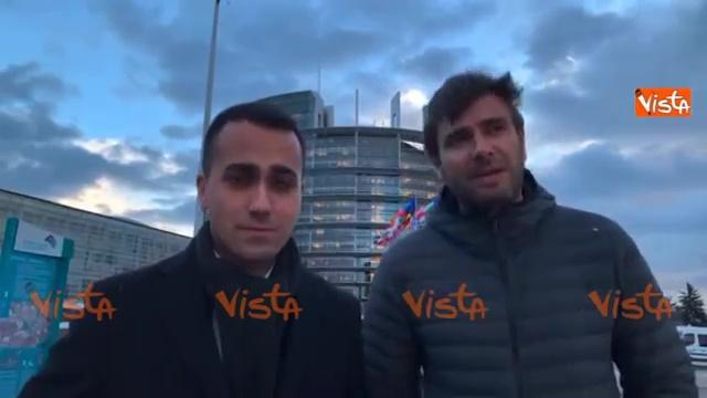 Di Maio e Di Battista in auto a Strasburgo: