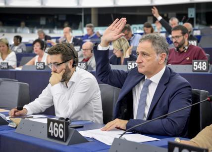 Orban snobba il voto contrario dell'Europa. Salvini: