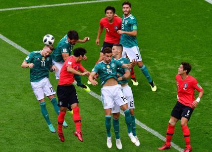 Russia 2018: dai brasiliani ai messicani, tutti festeggiano l'eliminazione della Germania