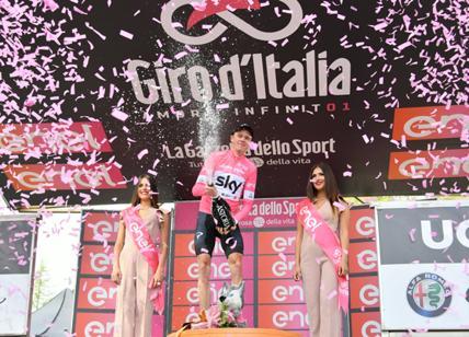 Impresa di Froome, nuova maglia rosa e le mani sul Giro d'Italia