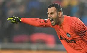 Handanovic, infrazione al quinto dito. E il derby Inter-Milan... Le ...