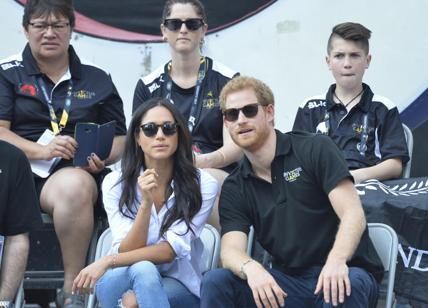 "Meghan Markle, effetto moda: boom per i jeans ""Mother"". MEGHAN MARKLE NEWS"