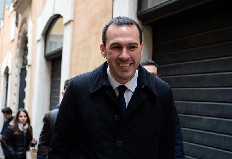 Sergio, sardina nel pallone, Salvini lo ridicolizza:
