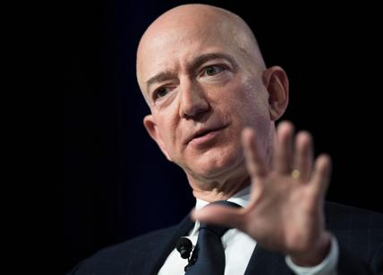 Amazon, Bezos denuncia: