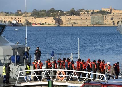 Migranti, la Germania esce dalla missione Sophia
