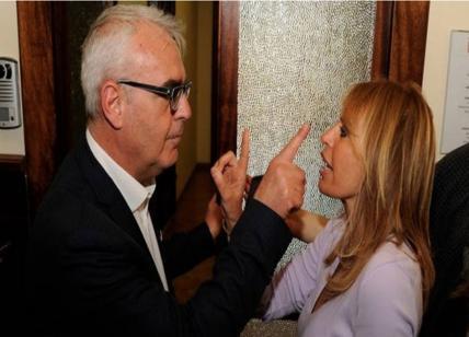 Macerata, scontro tra Alessandra Mussolini e il sindaco sul fantoccio del duce