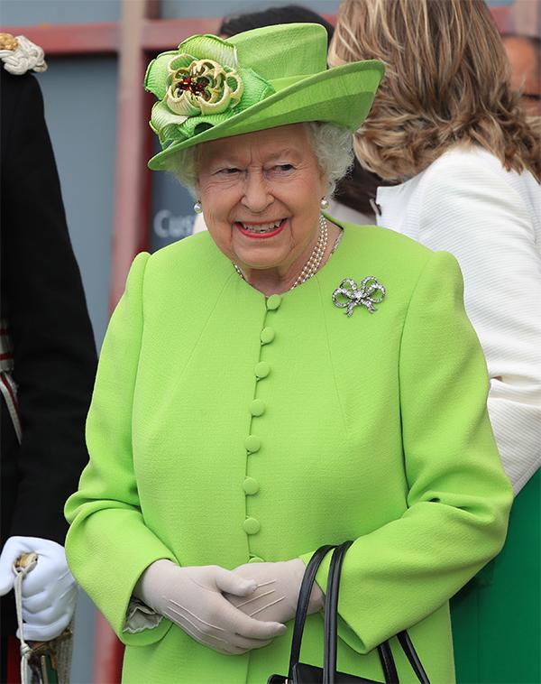 Regina Elisabetta morta per infarto? Buckingham Palace spiega il ...