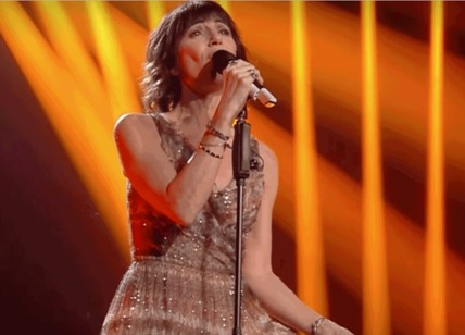 Sanremo 2019, Alessandra Amoroso piange sul palco