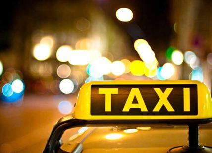 Roma: Chiede applicare tassametro e tassista gli rompe il naso
