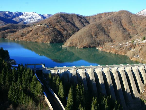 Risultati immagini per Liguria, il Lago del Brugneto Si apre agli sport acquatici