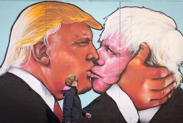 Johnson nuovo leader dei Tory. Domani sarà premier