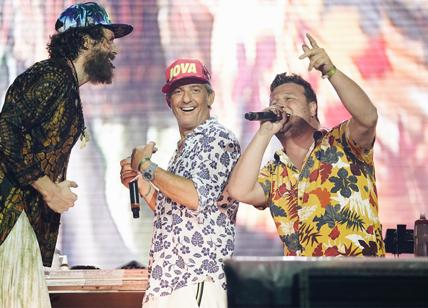JOVA BEACH PARTY, TAPPA A OLBIA CON FIORELLO E SALMO