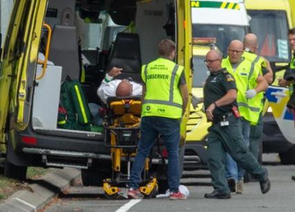 Nuova Zelanda, attacco in due moschee: almeno 27 morti