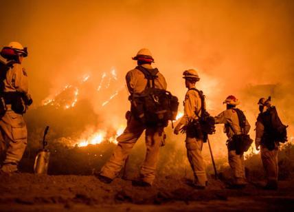 Usa, incendi devastanti in California: in fuga Schwarzenegger e LeBron James